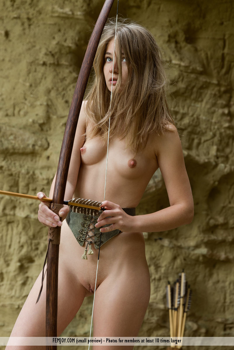 Hunting nude bow