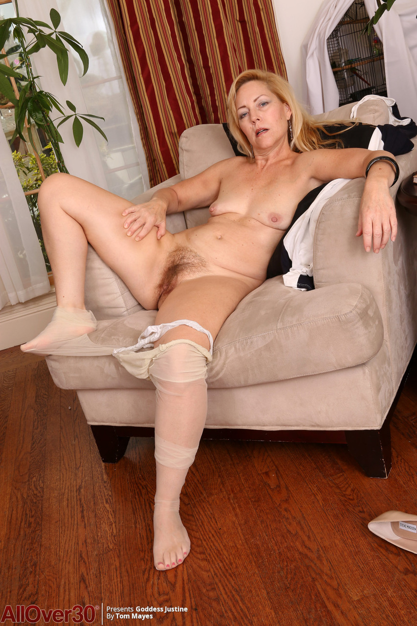 Hot mature woman pics