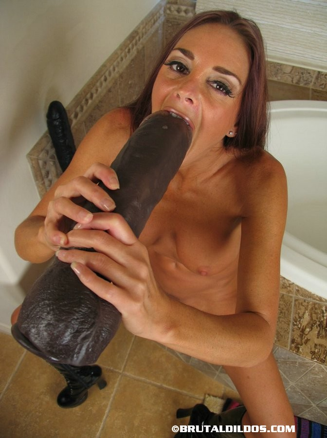 black woman useing dildo