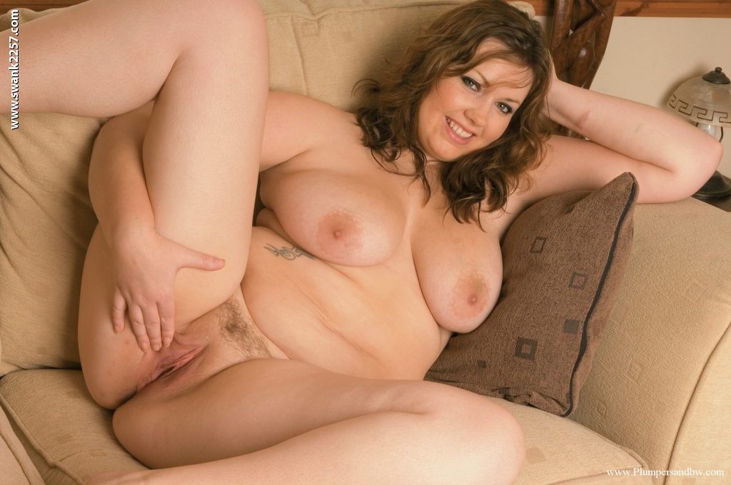 Thick solo girl uncovers natural tits before showcasing her shaved pussy porno fotoğrafı #415357366 | Plumpers And BW, Alessandra R,, mobil porno