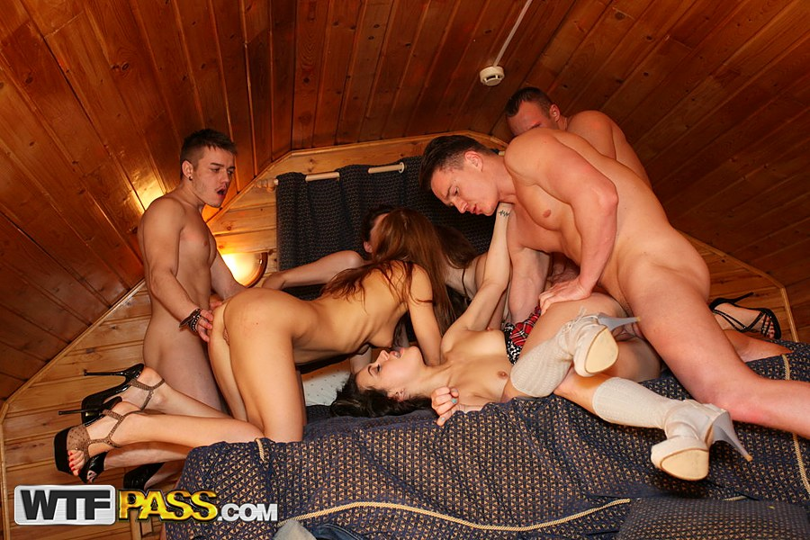Couple Fucking College Party
