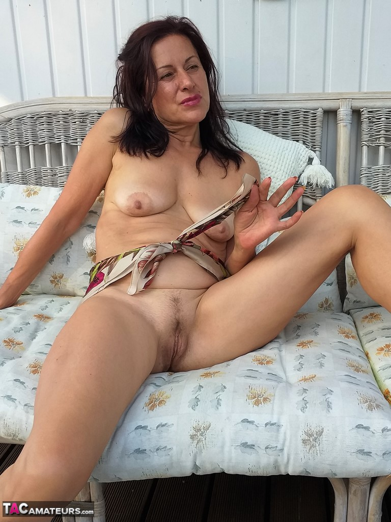 amateur middle aged pussy