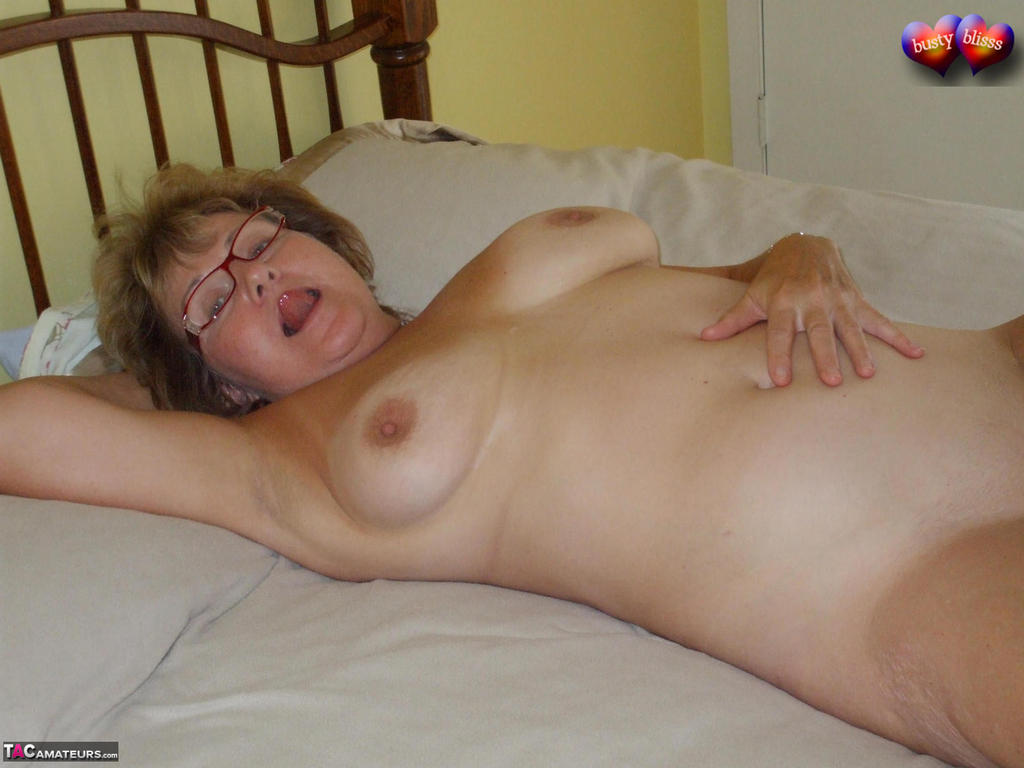 naked busty old lady