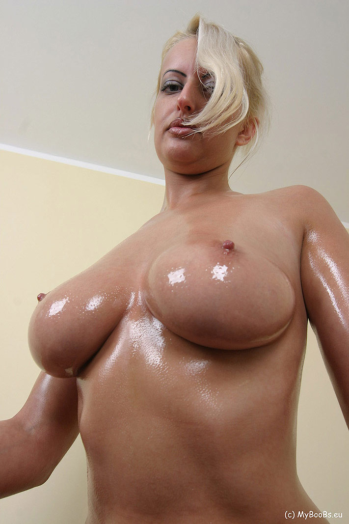 Perfect Body Big Tits Solo