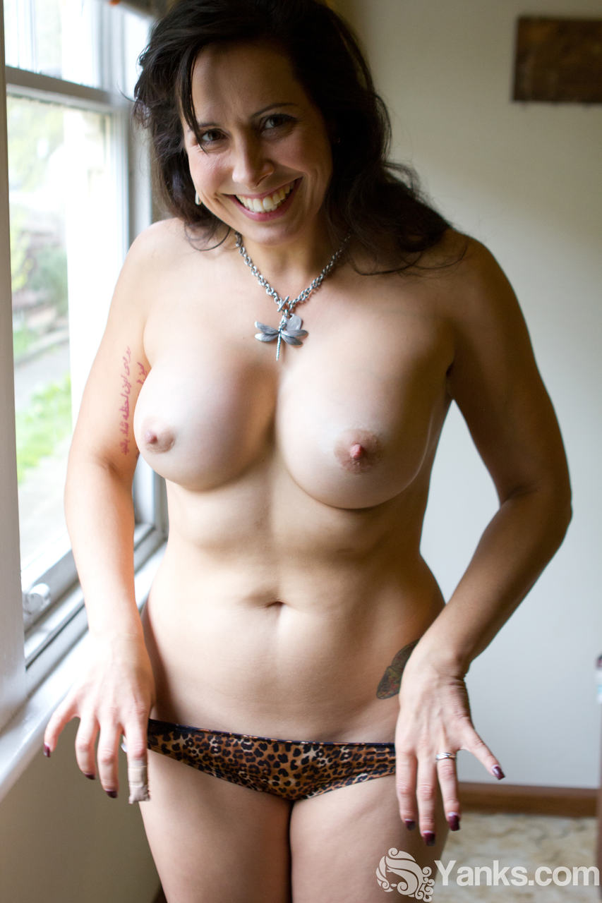 women with sexy nipples naked