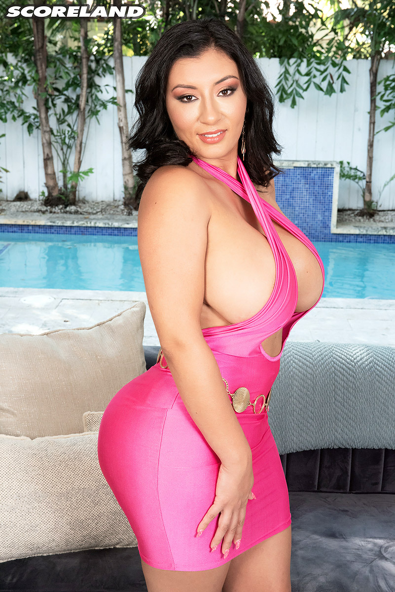 Latina solo model Selena Adams unveils large breasts and big booty on patio