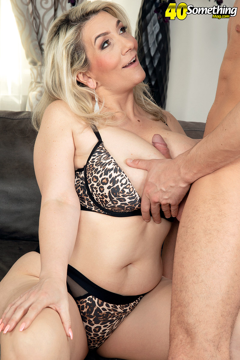 Blonde Mature Big Tits Glasses