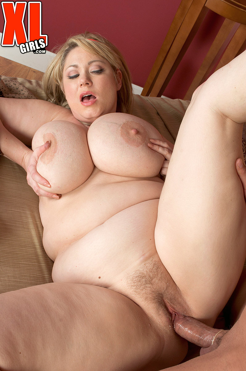 Blonde plumper Samantha 38g tit smothers a guy before getting banged