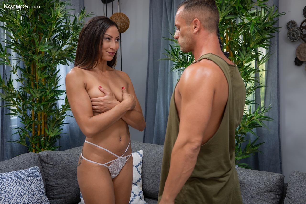 First timer Cassie Del Isla parks her sexy ass on top of a dick
