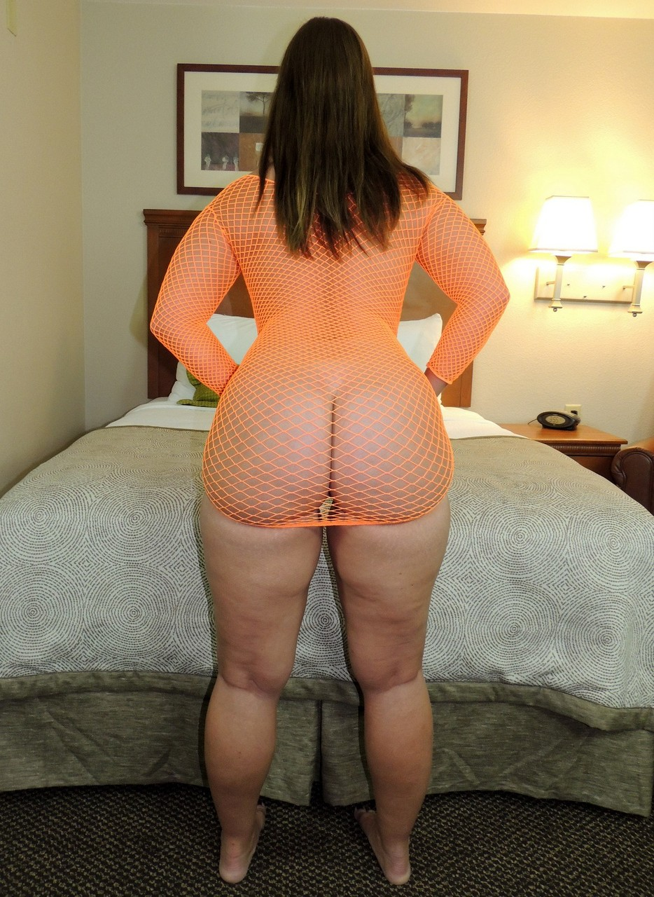 Amateur BBW hikes up her mesh dress before interracial fucking