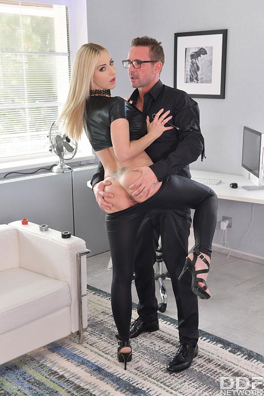 Blonde secretary Nathaly Cherie has her wrists bound before anal with her boss