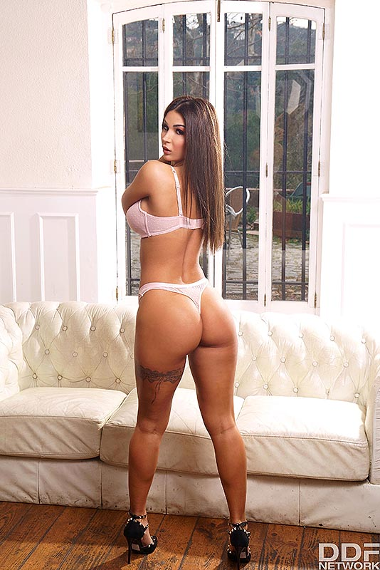 Hot solo girl Susy Gala flaunts her phat ass as she strips to her high heels