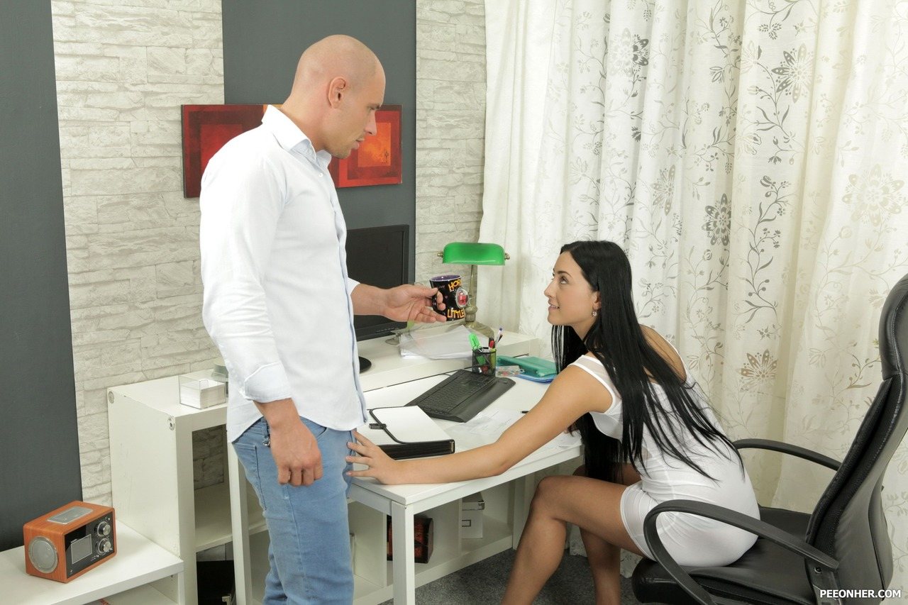 Dark haired girl Anna Rose plays kinky pee games with her man friend