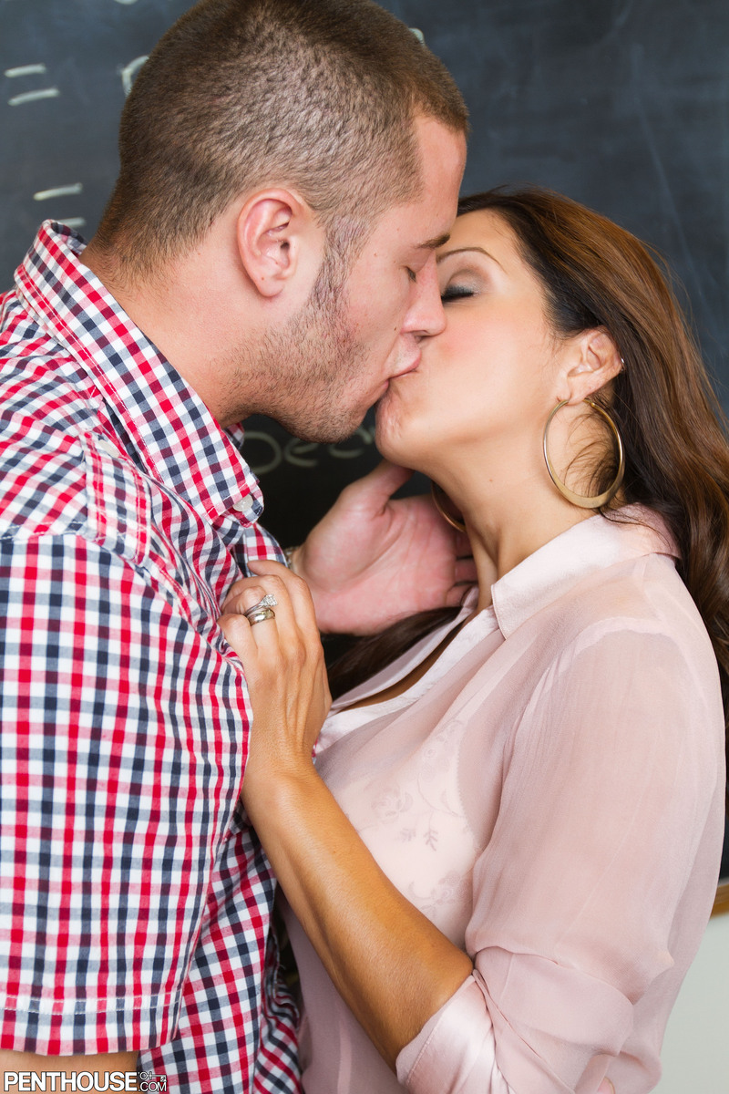 Hot teacher Francesca Le undresses while sucking and fucking a student