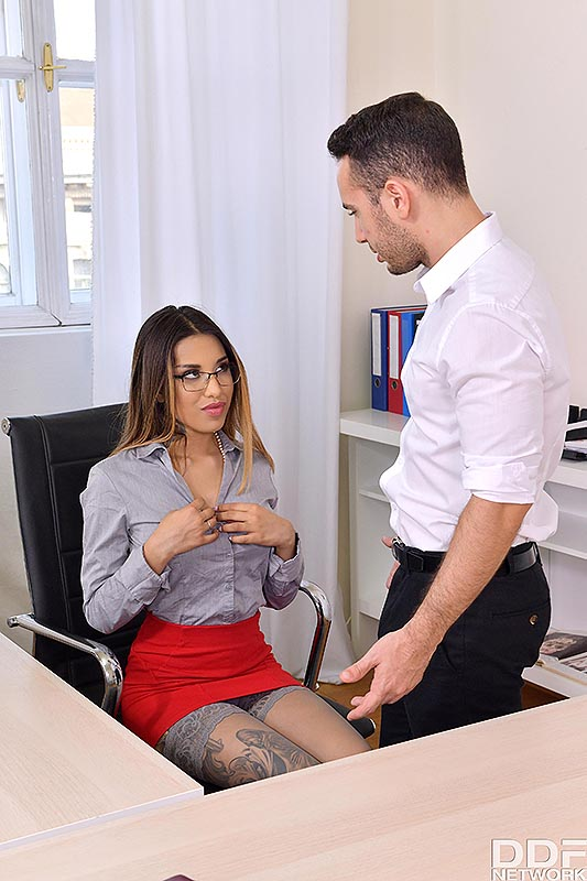 Sexy secretary Roxy Lips sucks her bosss cock after anal sex in her office